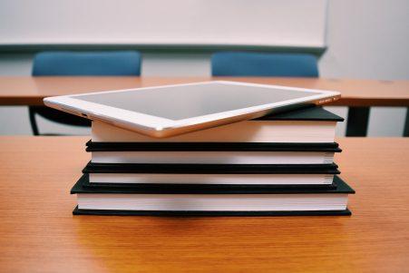 bookcase-books-classroom-289742